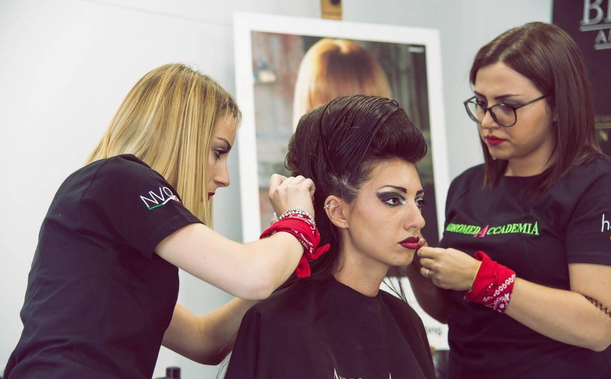 Corso capelli intrecci e raccolti base
